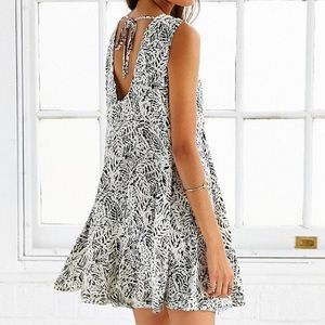 URBAN OUTFITTERS Dress in B&W By Ecote